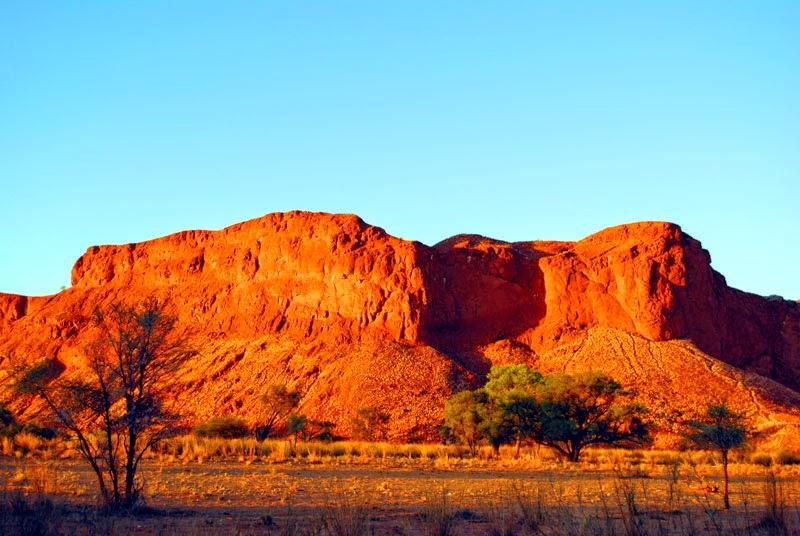 Sonnenaufgang in der Namib Desert Lodge