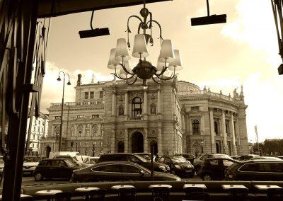 Wien, Burgtheater und Terrasse vom Landtmann